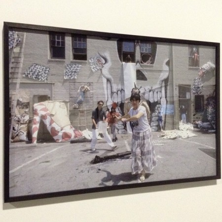 Agnès Varda sur le tournage de Murs, murs_1981 en compagnie du groupe Asco [Harry Gamboa, Jr., Gronk, Willie Herrón & Patssi Valdez] © CAPC/FredMJG/Instagram