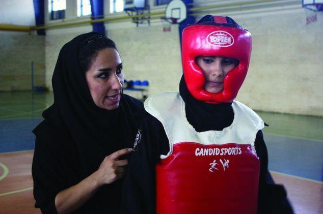 Iranian ninja © Documentary and Experimental Film Center
