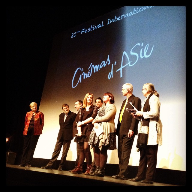 Encadrées par Martine et Jean Marc Thérouanne, les deux présidentes du Jury Jeunes, Garance et Pauline © FredMJG/Instagram