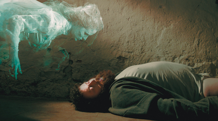 Strangers in the night de Conor McMahon © DR