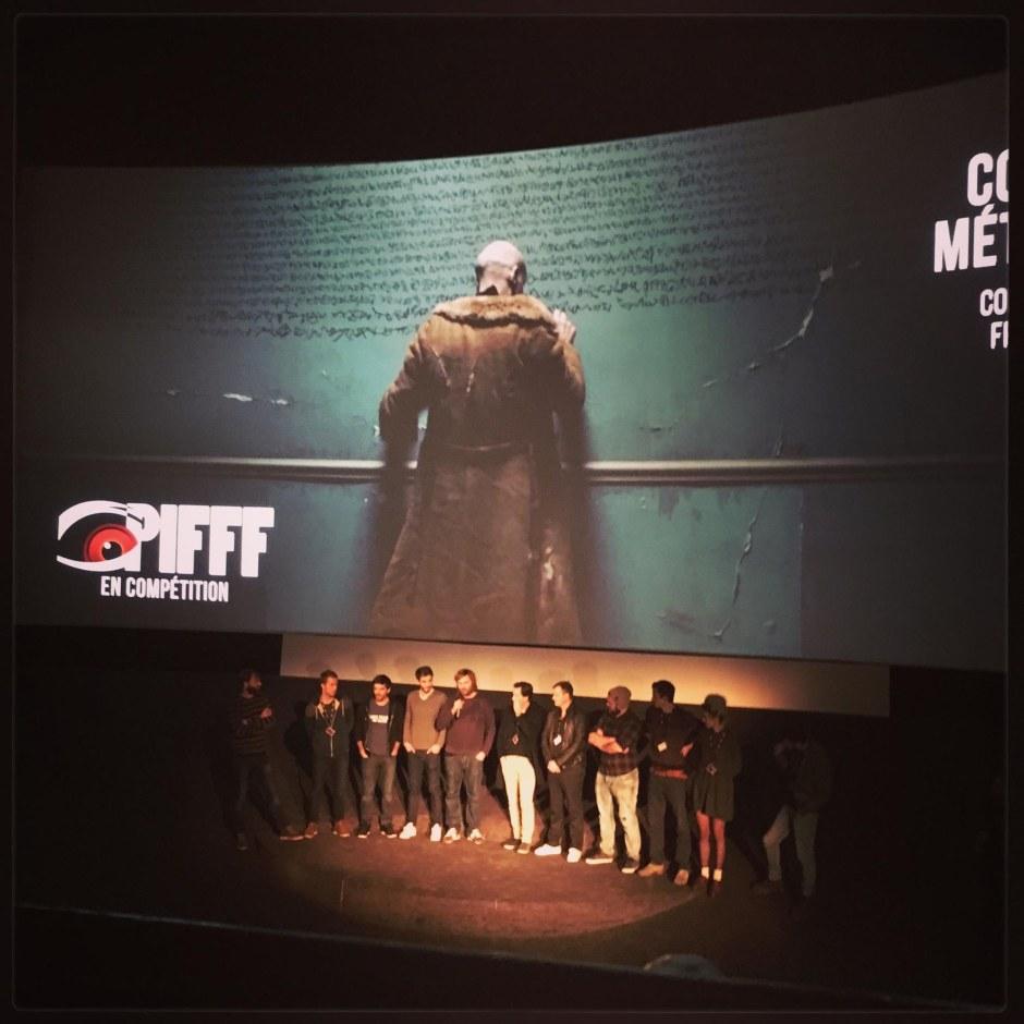 Tous (ou presque) les jeunes réalisateurs des court-métrages français sur la scène du Max Linder [A droite Joséphine Hopkins, co-réalisatrice de Margaux] © FredMJG/PIFFF