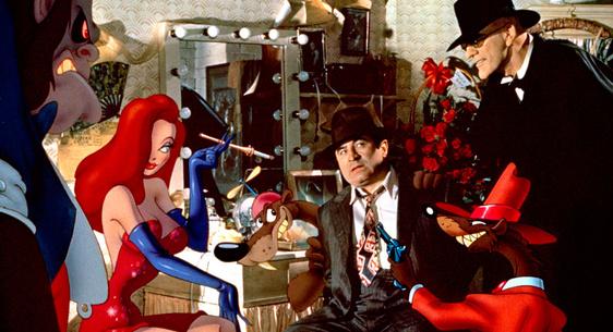 Bob Hoskins, Christopher Lloyd & des Toons dans Qui veut la peau de Roger Rabbit ? de Robert Zemeckis © Amblin Entertainment