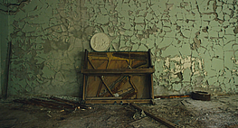 Pripyat Piano © VdR 2020